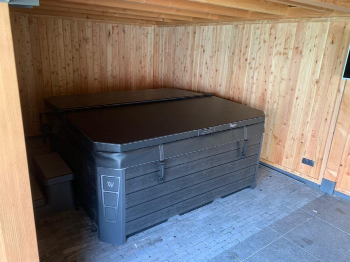 Wellis spa cover